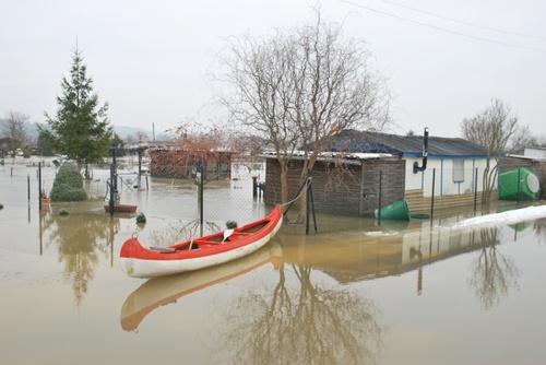 Kleingarten mit Boot